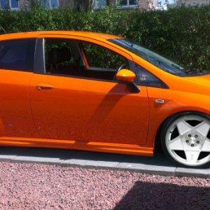 orangepunto_copy.jpg