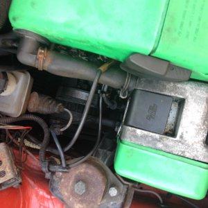 ThrottleCableBay.jpg