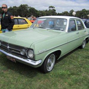 Holden_Special_HR_Sedan.jpg