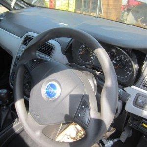Grande_Punto_Steering_Wheel.jpg