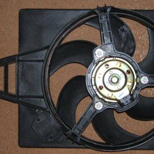 Radiator-fan-PN8240077.JPG